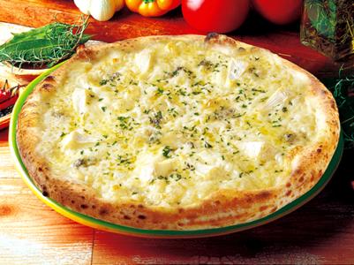 ナポリの窯 6種類のチーズのピッツァ