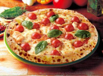ナポリの窯 プチトマト多めのマルゲリータ